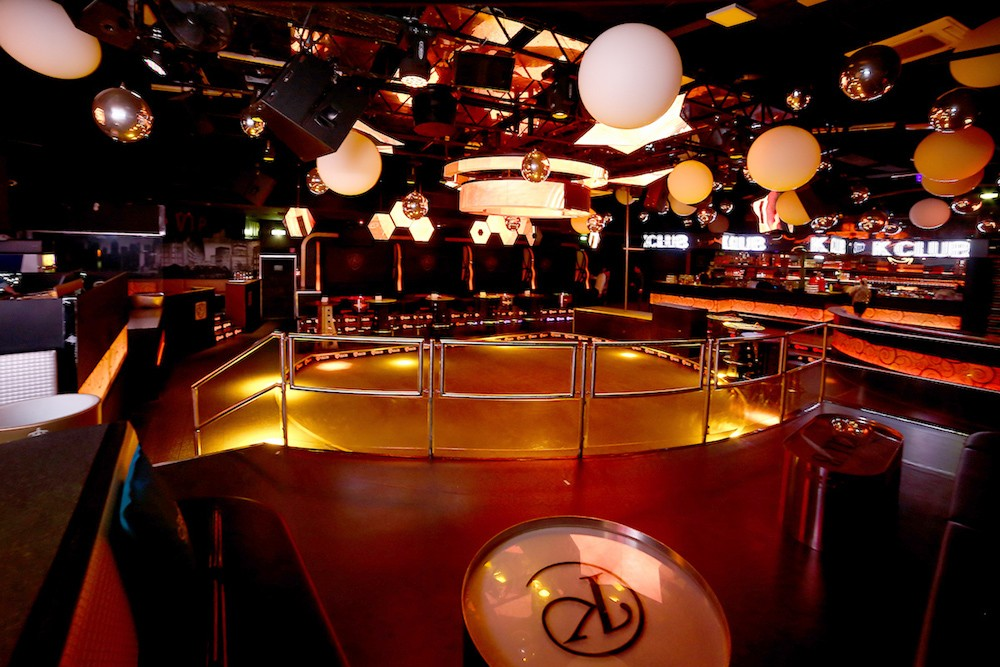 Exclusive sound reinforcement installations in the Kiss and Gold Club