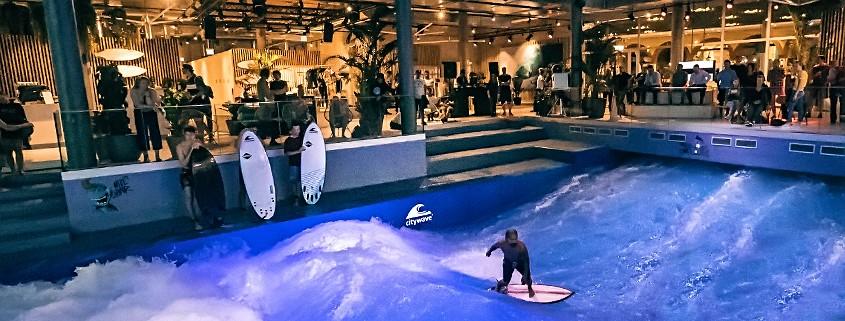 Indoor-Beschallung in einem Surf-Club